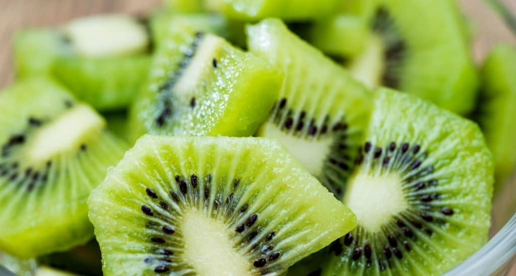can dogs eat kiwis
